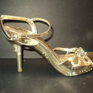 NEW Delicacy Sz 7 Gold Stiletto Heels Rhinestones